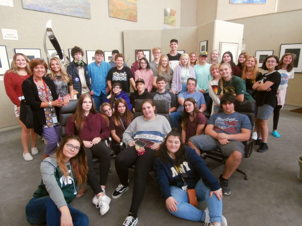 Fowlerville                       High School art students touring the gallery