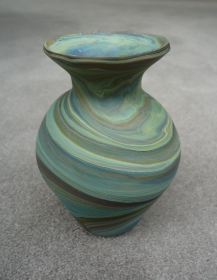 Sea foam short neck                   vase