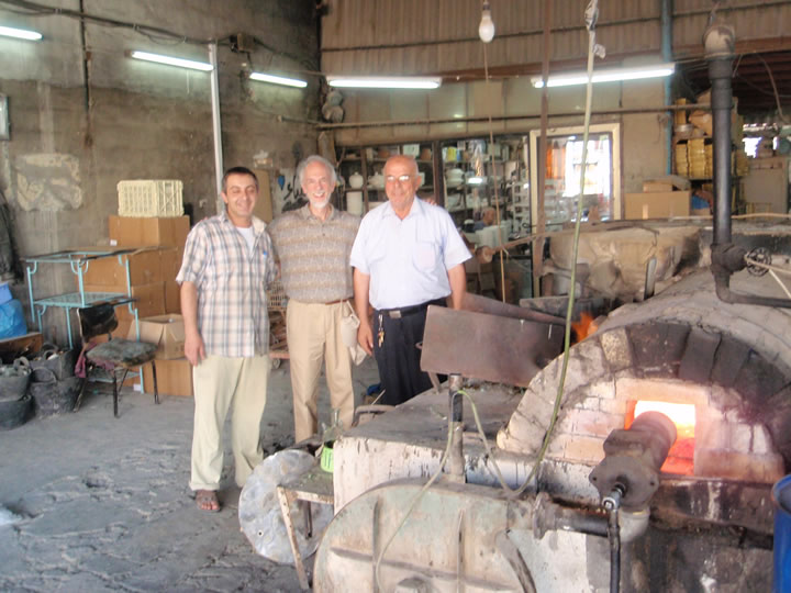 Roy                             Saper with two generations of glass blowers